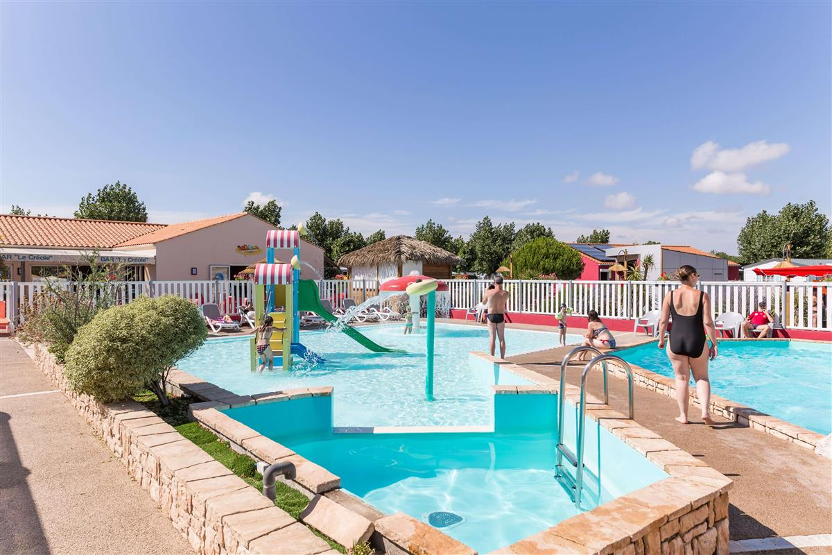 Vos vacances en camping en vend e avec espace aquatique for Camping piscine vendee